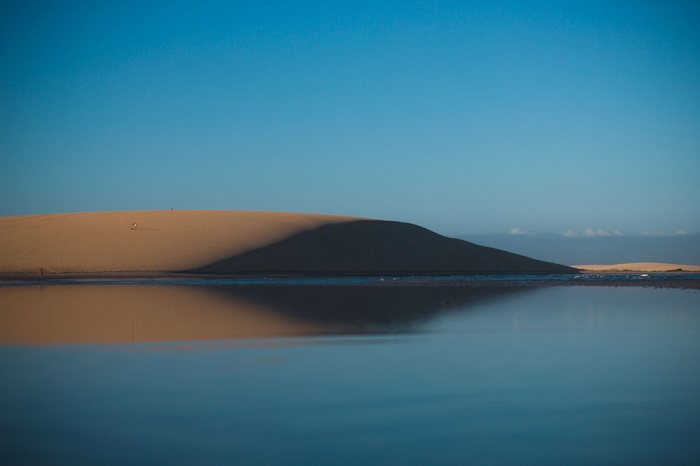 Национальный парк Жерикоакоара представляет собой песчаные дюны, пляжи и пресные озера вдали от цивилизации.