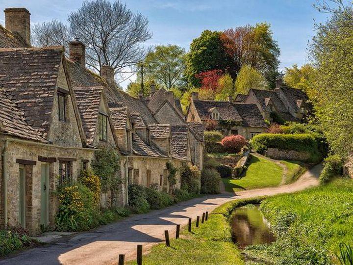 20 деревень словно сошедших со страниц сказочной книги, Бибури, Великобритания