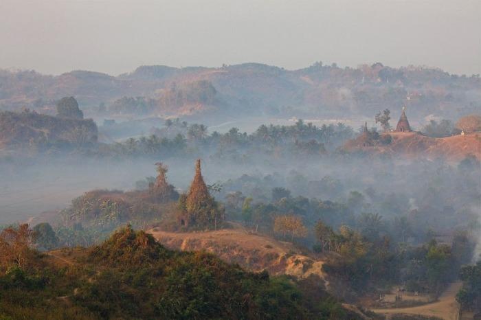 Рассвет, наблюдаемый с пагоды Шветунг. | Фото: amusingplanet.com.