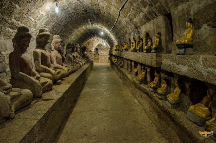 Коридоры в храме Шиттаунг. | Фото: amusingplanet.com.