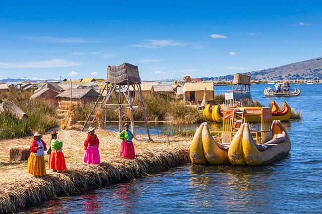 Острова Урос, Перу и Боливия